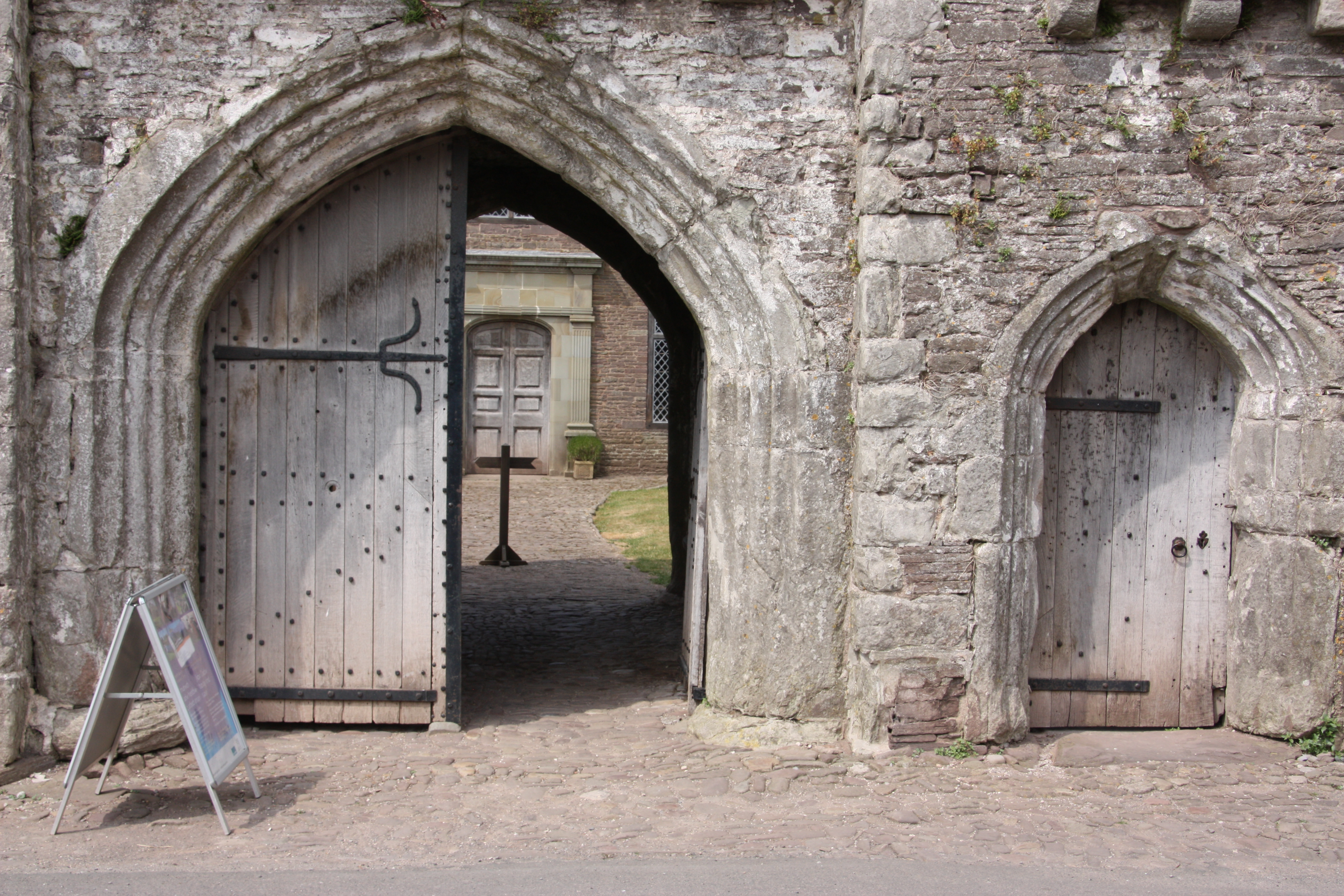 Entrance to Tretower Court (photo Simon Leach)