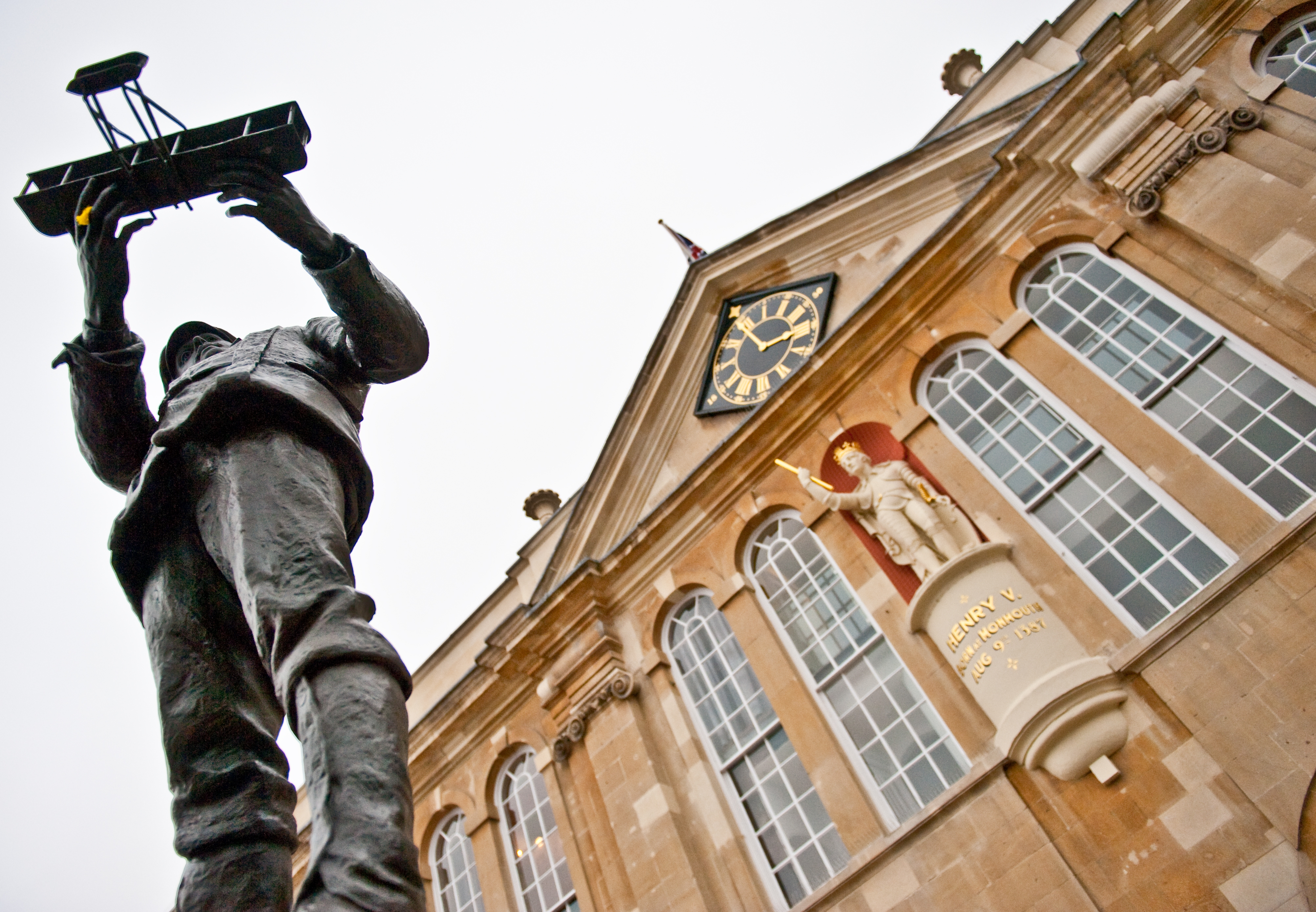 Henry V's statue outside Shire Hall Monmouth